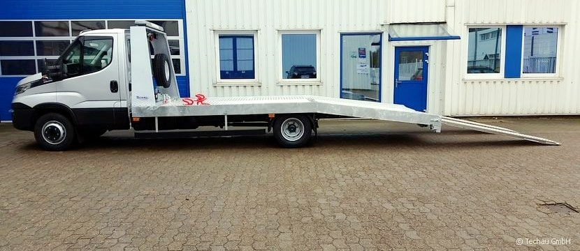 iveco daily mit stahl-festplateau